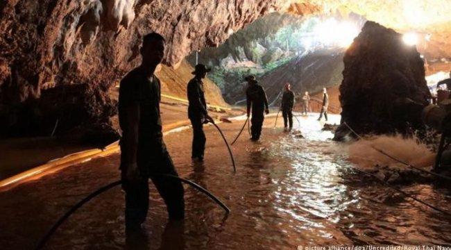 Mağaradaki çocukları kurtarma operasyonu başladı