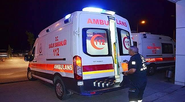 Siverek-ViranşehirKara Yolunda Otomobil Devrildi: 2 yaralı