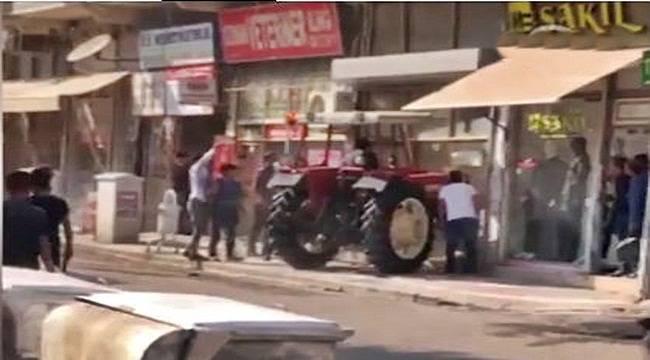 Viranşehir'de Hasmının Dükkanına Traktörle Girdi: 5 Yaralı