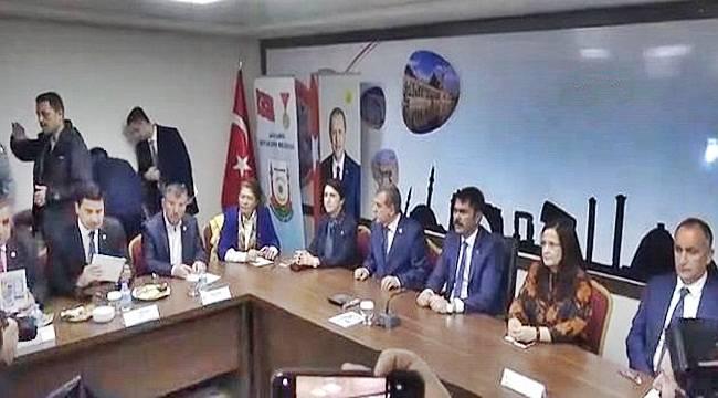 Bakan Kurum, Şanlıurfa'nın Sorunlarının Konuşulacağı Toplantıya Katıldı