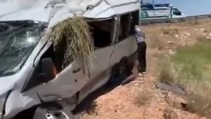 Viranşehir'de Trafik Kazası : 13 Yaralı