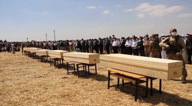 Hayatını Kaybeden Tarım İşçileri Şanlıurfa'da Toprağa Verildi