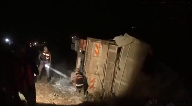 Siverek-ViranşehirKara Yolunda İki Kamyon Çarpıştı: 3 ölü, 1 Yaralı