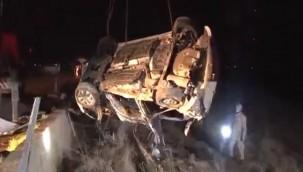 Harran'da Hafriyat Kamyonuyla Otomobil Çarpıştı : 4 Ölü