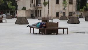 Urfa'da Tam Kapanma Yoksulluğun Resmini Çizdi