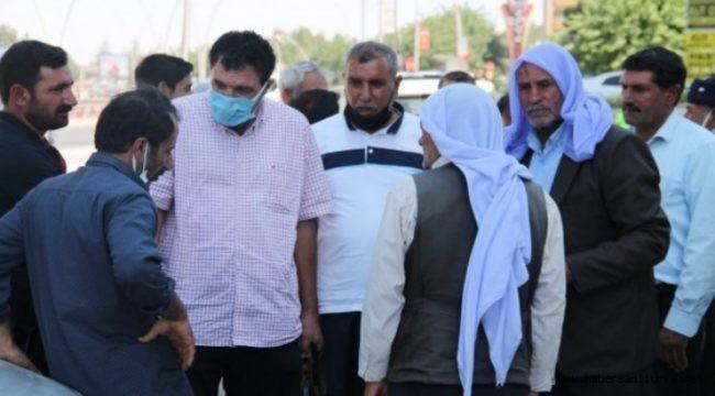 Şanlıurfalı Çiftçiler AK Parti Önünde DEDAŞ'a Tepki Gösterdi