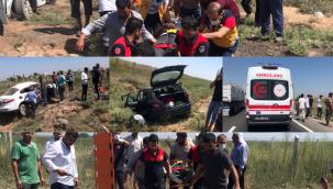 Akçakale'de İki Otomobil Kafa Kafaya Çarpıştı :4 Yaralı